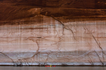 Lake Powell's 'bathtub ring' hovers more than 50ft about paddler Sinjin Eberle, December 2015   Forest Woodward