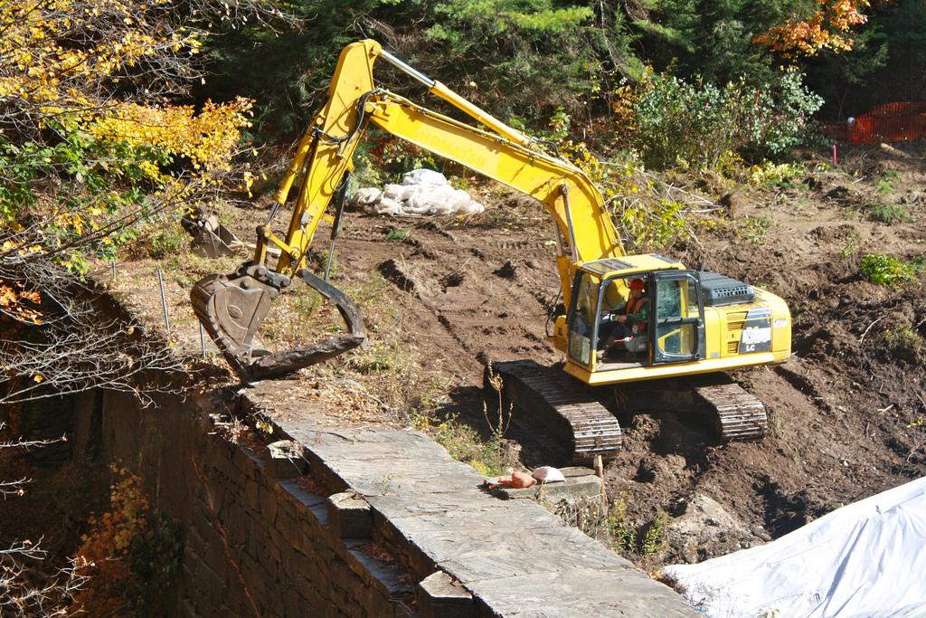 Bartlett Rod Shop Co. Dam Removal | Photo by Meagan Racey, USFWS