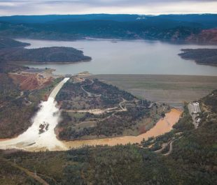 Oroville Dam on February 15, 2017 | Photo by Dale Kolke, CA DWR