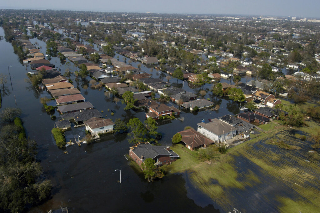 Flooding from Hurricane Katrina in New Orleans | Photo courtesy of FEMA